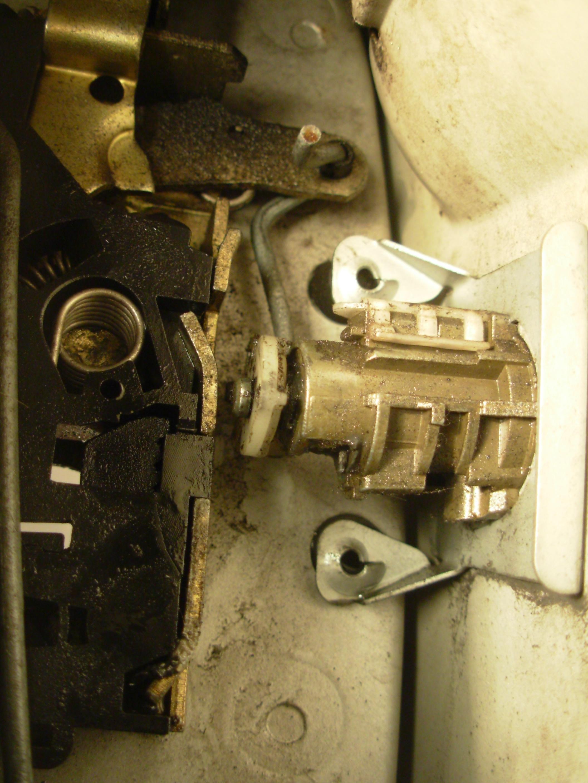 Mecanisme fermeture porte arriere berlingo for Remplacement porte interieure